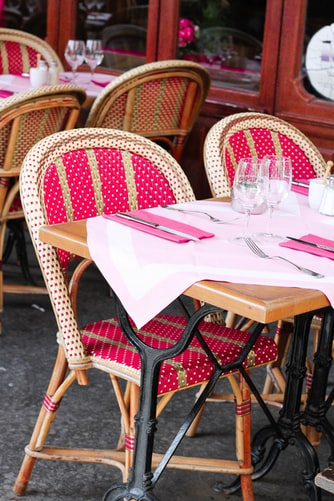 Outdoor dining seating